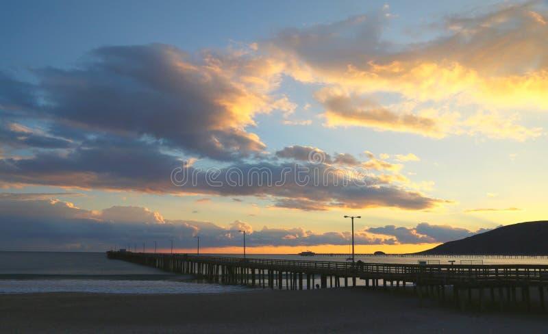 Αποβάθρα ηλιοβασιλέματος στοκ φωτογραφίες με δικαίωμα ελεύθερης χρήσης