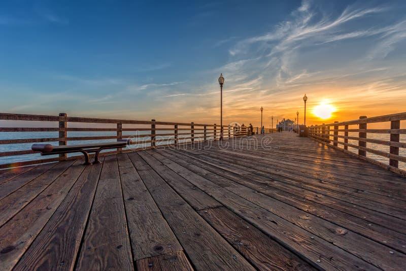Αποβάθρα Καλιφόρνιας Oceanside στο ηλιοβασίλεμα στοκ φωτογραφία με δικαίωμα ελεύθερης χρήσης