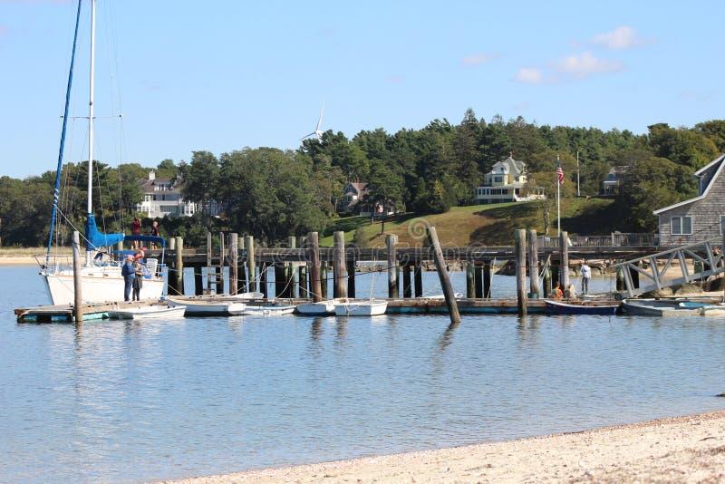 Αποβάθρα στην παραλία magansett στοκ εικόνα