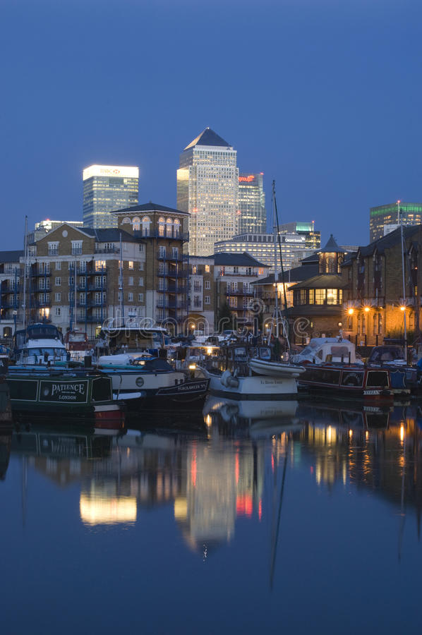 αποβάθρα του Λονδίνου κ στοκ εικόνα