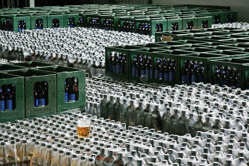 Download αποθήκευση μπύρας στοκ εικόνες. εικόνα από ζυθοποιείων - 1544260