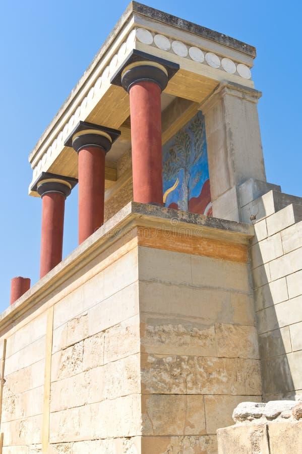 Αποκατεστημένη βόρεια είσοδος με τη χρέωση της νωπογραφίας ταύρων στοκ εικόνα με δικαίωμα ελεύθερης χρήσης