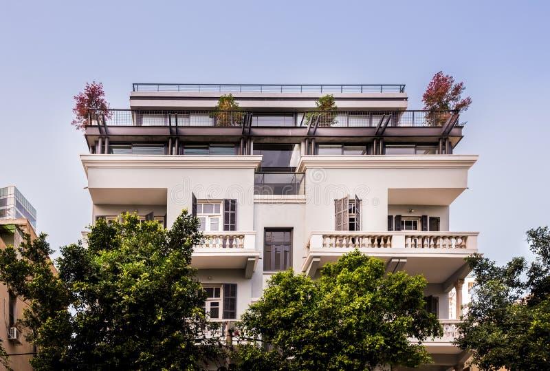 Αποκατεστημένο κτήριο σε Rothschild Blvd στοκ εικόνα με δικαίωμα ελεύθερης χρήσης