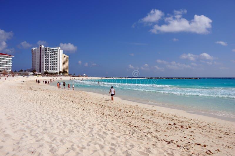 Download Απολαύστε τη θάλασσα στο Cancun Στοκ Εικόνα - εικόνα από άμμος, ανασκόπησης: 22787067