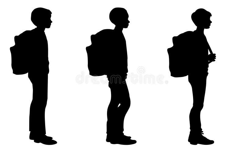 Απομονωμένες σκιαγραφίες των αγοριών που στέκονται με τα σχολικά σακίδια πλάτης διανυσματική απεικόνιση