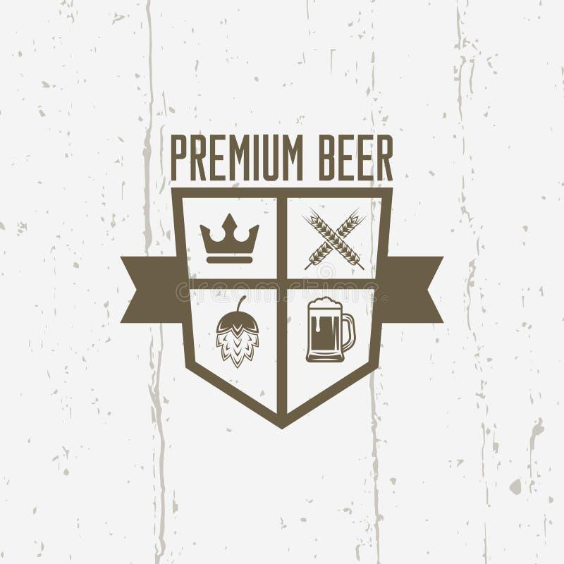 Απομονωμένη διανυσματική ασπίδα εκλεκτής ποιότητας ετικέτα μπύρας ασφαλίστρου διανυσματική απεικόνιση