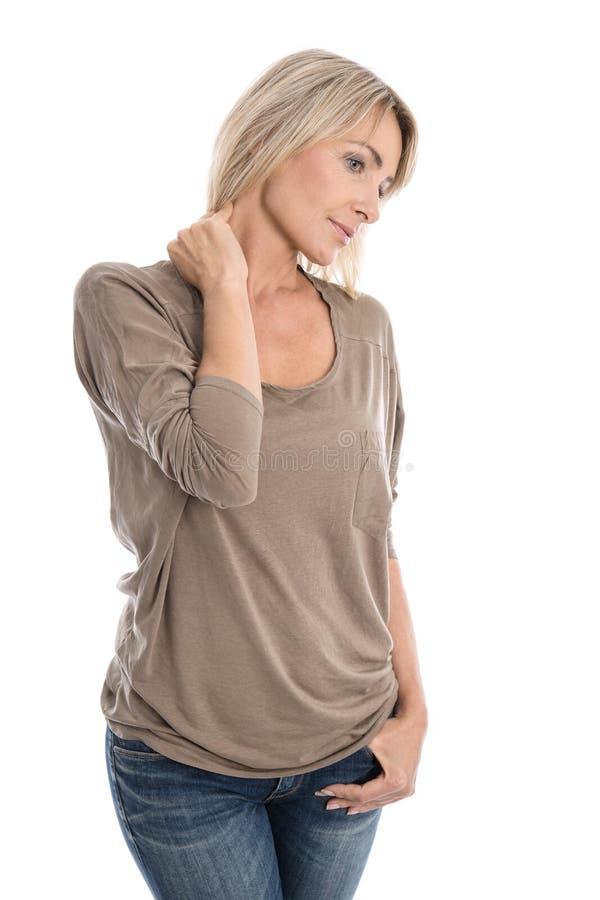 Απομονωμένη ξανθή γυναίκα με τον πόνο λαιμών στοκ εικόνες