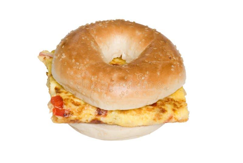 απομονωμένη bagel κορυφαία όψη σάντουιτς ομελετών στοκ φωτογραφίες με δικαίωμα ελεύθερης χρήσης
