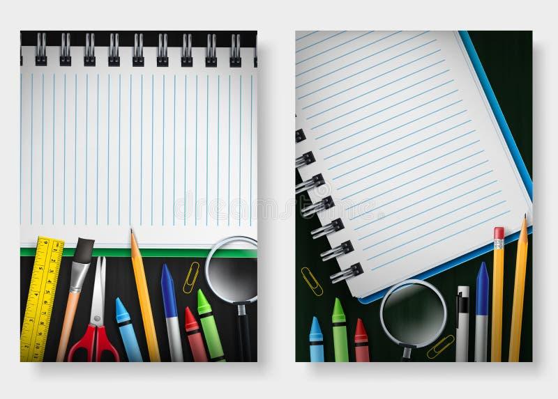 Απομονωμένος πίσω στο καθορισμένο πρότυπο σχολικών αφισών με το σημειωματάριο στο υπόβαθρο πινάκων κιμωλίας με το διάστημα για το ελεύθερη απεικόνιση δικαιώματος