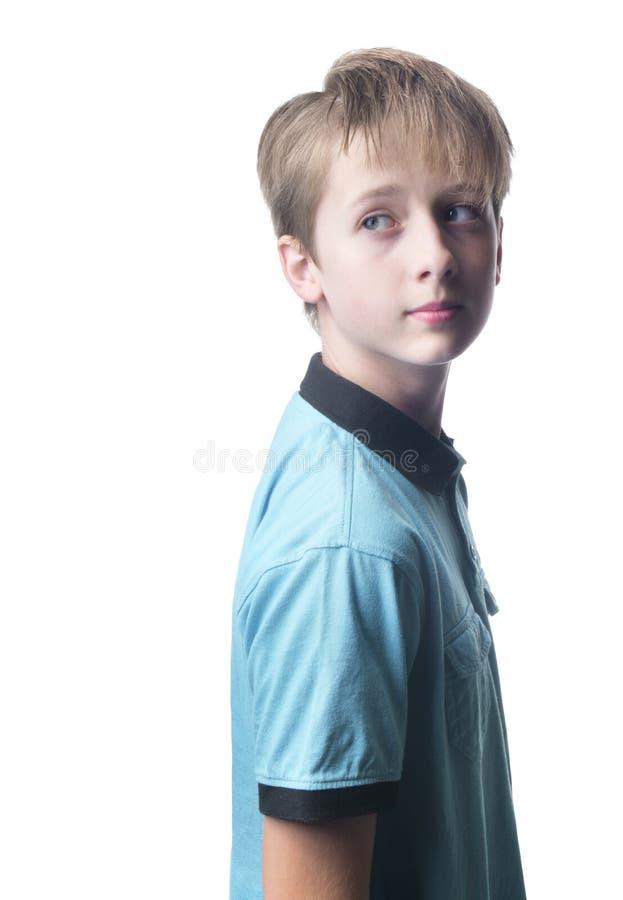 Απομονωμένο αγόρι που ξανακοιτάζει στοκ φωτογραφίες με δικαίωμα ελεύθερης χρήσης