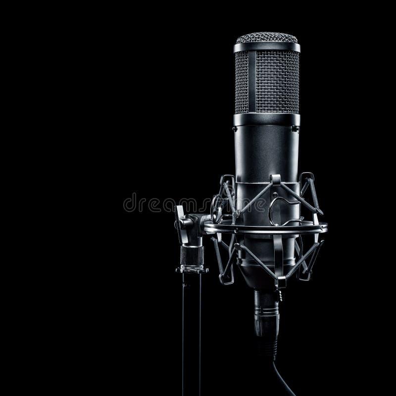 απομονωμένο ανασκόπηση λευκό στούντιο μικροφώνων στοκ φωτογραφία με δικαίωμα ελεύθερης χρήσης