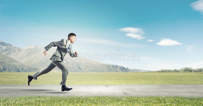 απομονωμένο επιχειρηματίας τρέχοντας λευκό στοκ φωτογραφία με δικαίωμα ελεύθερης χρήσης