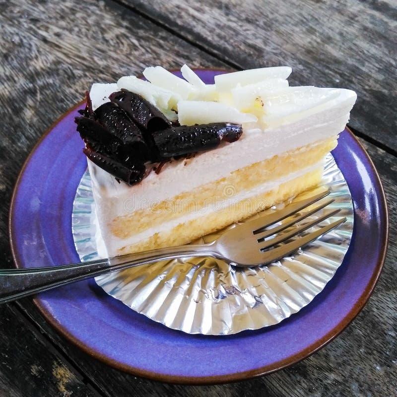 απομονωμένο λευκό πιάτων ανασκόπησης cheesecake στοκ φωτογραφίες με δικαίωμα ελεύθερης χρήσης