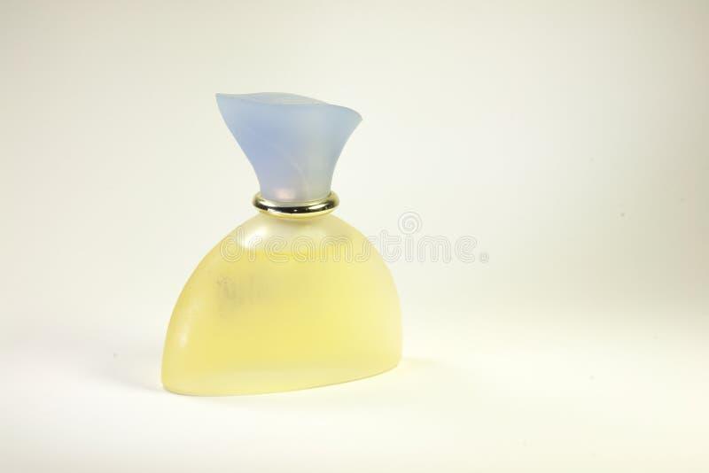 απομονωμένο μπουκάλι άρωμ& στοκ εικόνα με δικαίωμα ελεύθερης χρήσης