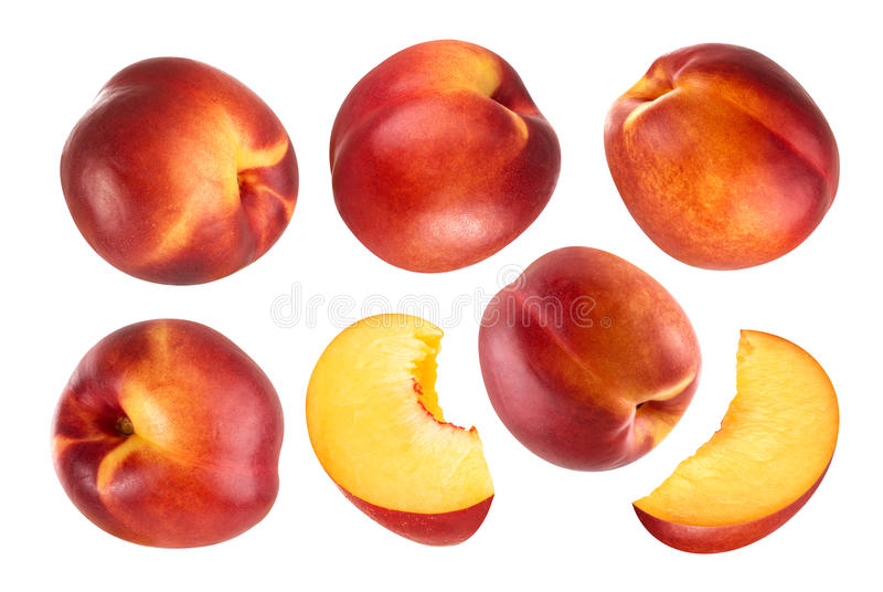 απομονωμένο ροδάκινο Συλλογή των φρούτων ροδάκινων συνόλου και περικοπών που απομονώνονται στο άσπρο υπόβαθρο με το ψαλίδισμα της στοκ εικόνα με δικαίωμα ελεύθερης χρήσης