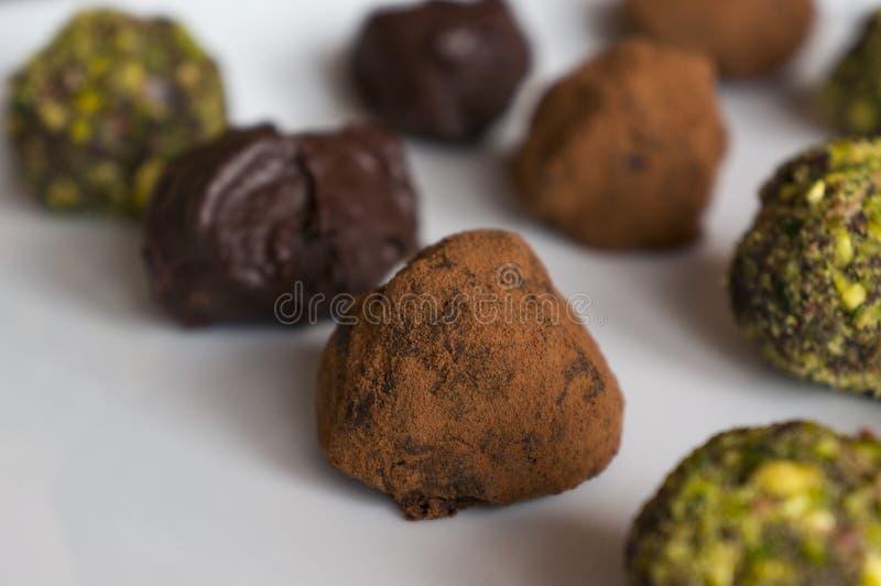 απομονωμένο σοκολάτα λευκό τρουφών στοκ φωτογραφία με δικαίωμα ελεύθερης χρήσης