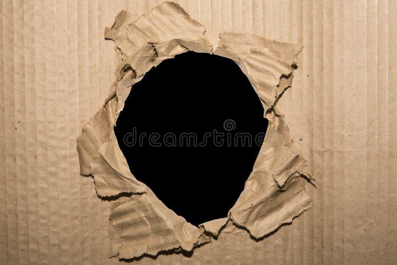 Απομονωμένο τρύπα υπόβαθρο χαρτονιού πλαισίων φωτογραφιών στοκ φωτογραφίες