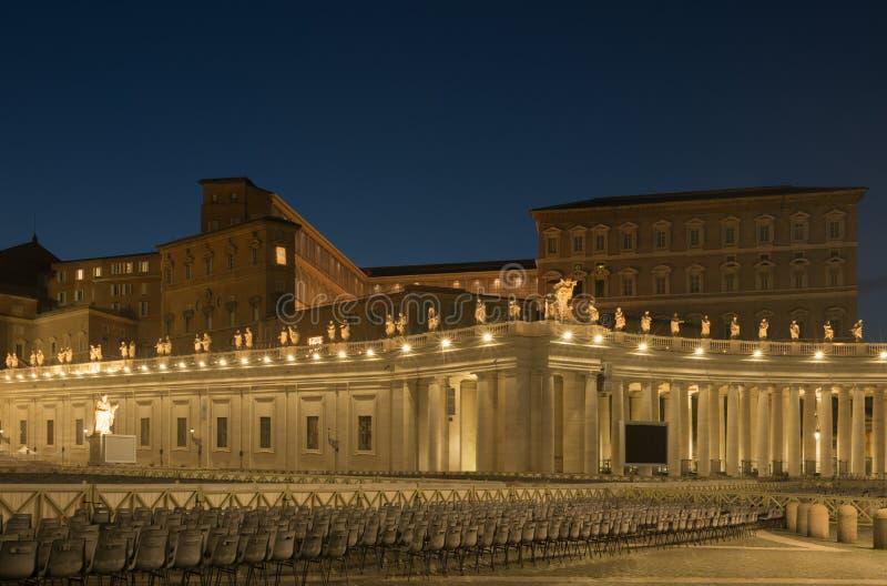 Αποστολικό παλάτι και πλατεία Αγίου Πέτρου, Πόλη του Βατικανού στοκ φωτογραφίες