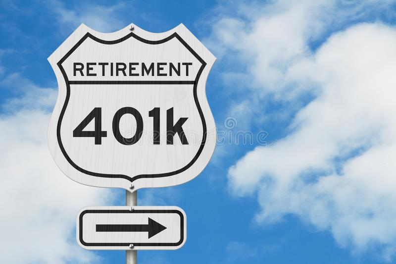 Αποχώρηση με τη διαδρομή σχεδίων 401k σε ένα οδικό σημάδι ΑΜΕΡΙΚΑΝΙΚΏΝ εθνικών οδών στοκ εικόνα με δικαίωμα ελεύθερης χρήσης