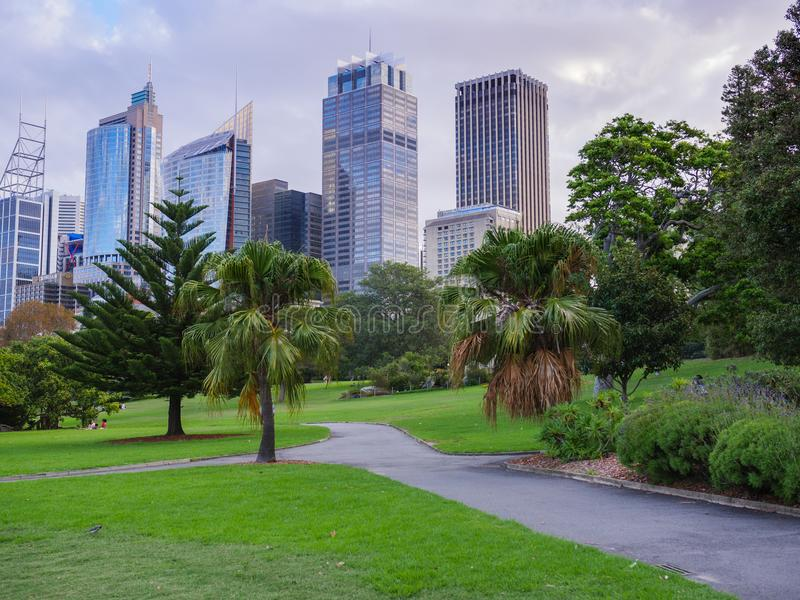 1 Απριλίου 2018, Σίδνεϊ, Αυστραλία - βασιλικό τοπίο βοτανικών κήπων σε ένα Σαββατοκύριακο στοκ εικόνες