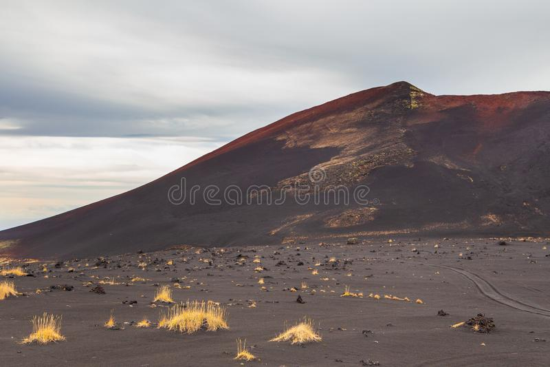 Απροσδιόριστος, εκλείψας ηφαίστειο Kamchatka, Ρωσία στοκ εικόνες
