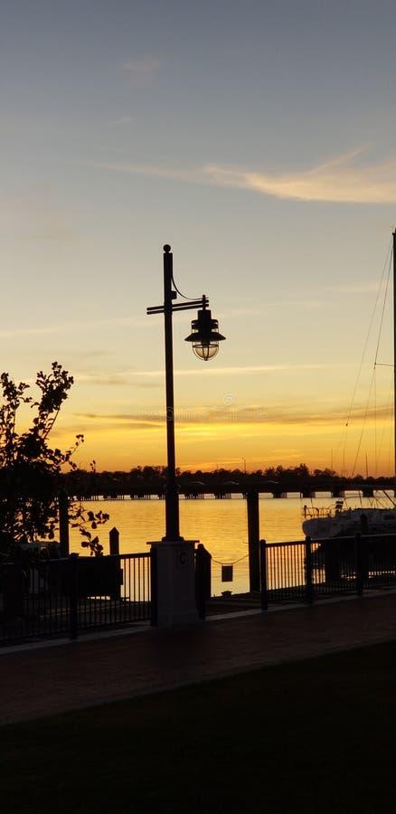 Απόγευμα στην Προκυμαία του ποταμού Pamlico North Carolina στοκ εικόνα με δικαίωμα ελεύθερης χρήσης