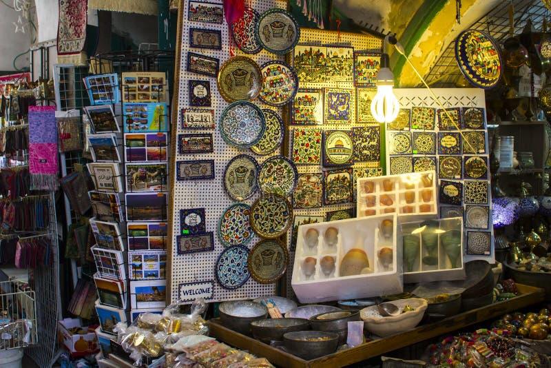 Απόθεμα στην επίδειξη σε ένα κατάστημα αναμνηστικών της Ιερουσαλήμ στοκ εικόνες