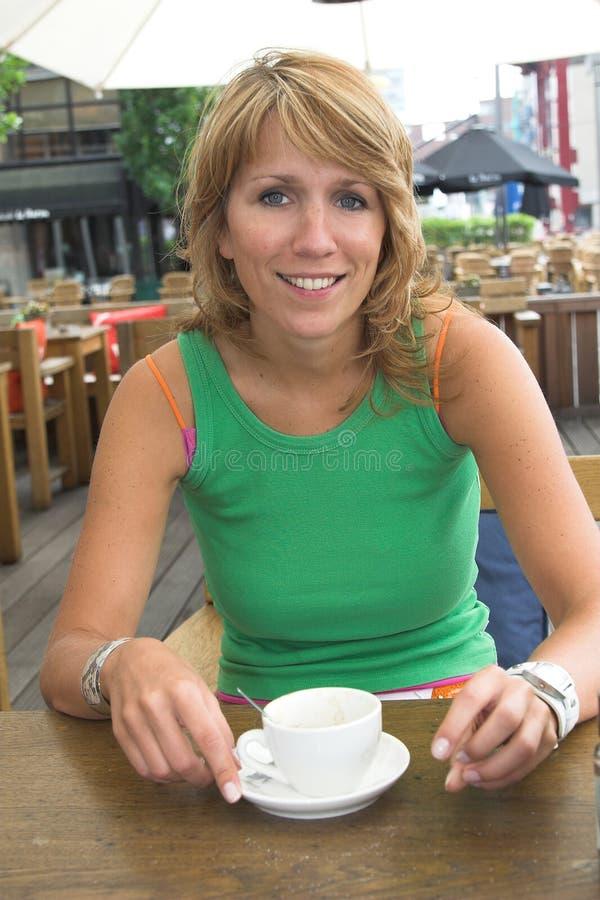 απόλαυση καφέ στοκ εικόνες με δικαίωμα ελεύθερης χρήσης