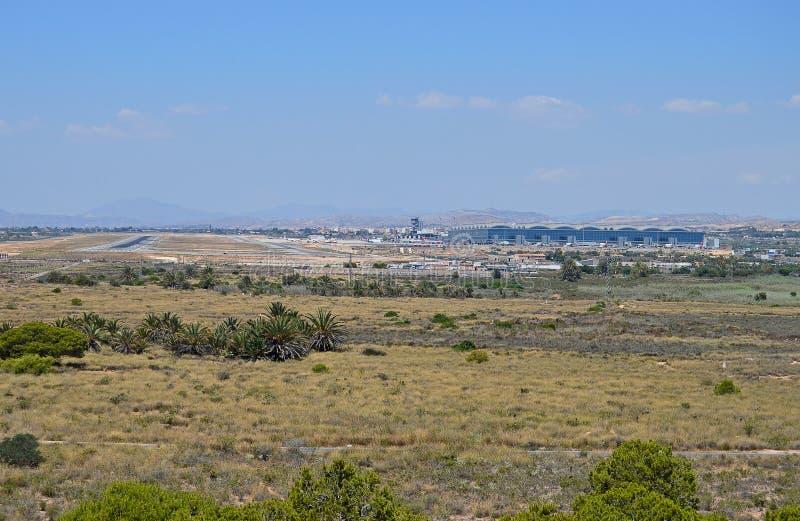Απόμακρη άποψη του αερολιμένα της Αλικάντε στοκ φωτογραφία με δικαίωμα ελεύθερης χρήσης