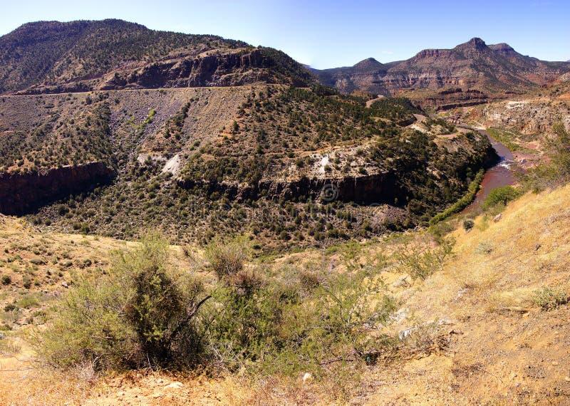 Απότομη κοιλάδα του αλατισμένου φαραγγιού ποταμών στοκ φωτογραφία