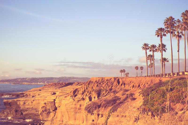 Απότομοι βράχοι Σαν Ντιέγκο Καλιφόρνια ηλιοβασιλέματος στοκ φωτογραφίες με δικαίωμα ελεύθερης χρήσης