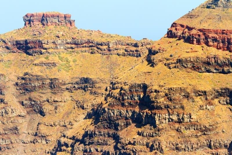 Απότομοι βράχοι σε Imerovigli, Santorini στοκ φωτογραφίες