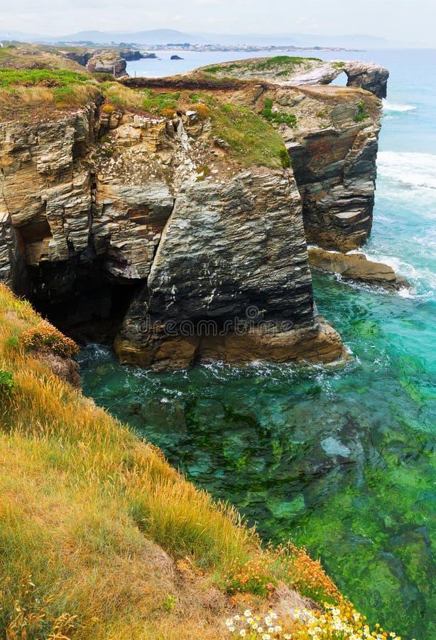 Απότομοι βράχοι στην ακτή Cantabric στοκ φωτογραφία με δικαίωμα ελεύθερης χρήσης