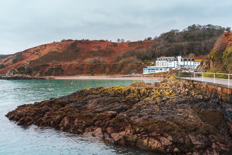 Απότομοι βράχοι στο νησί του Τζέρσεϋ στο αγγλικό κανάλι στοκ φωτογραφίες με δικαίωμα ελεύθερης χρήσης