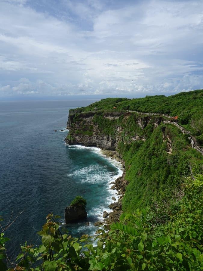 Απότομοι βράχοι Uluwatu, Μπαλί, Ινδονησία στοκ εικόνες