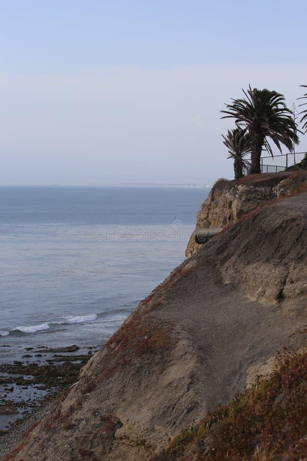 Απότομοι βράχοι Verdes Palos κατά τη διάρκεια της κατάθλιψης Ιουνίου στοκ φωτογραφία με δικαίωμα ελεύθερης χρήσης