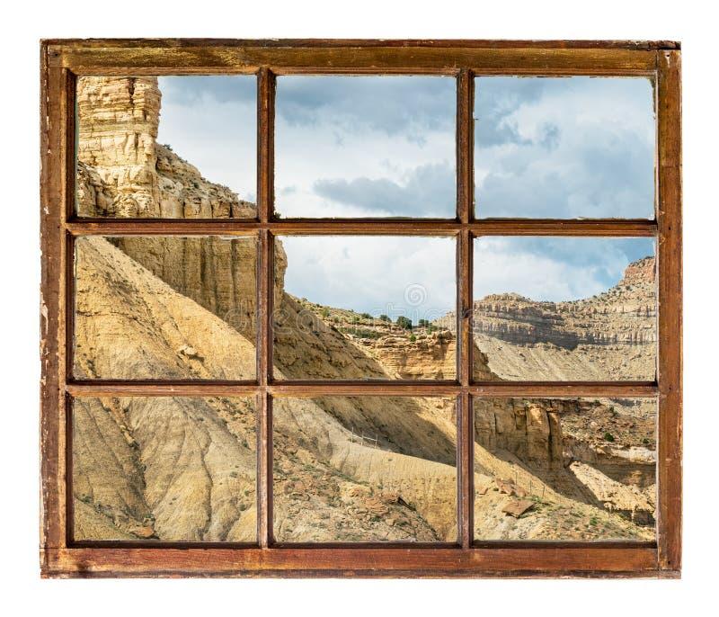 Απότομος βράχος, λόφοι και mesa της άποψης παραθύρων απότομων βράχων βιβλίων στοκ εικόνες