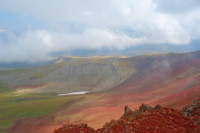 Απόψεις από την κορυφή του ηφαιστείου Azhdahak στα βουνά Geghama, Αρμενία στοκ εικόνες