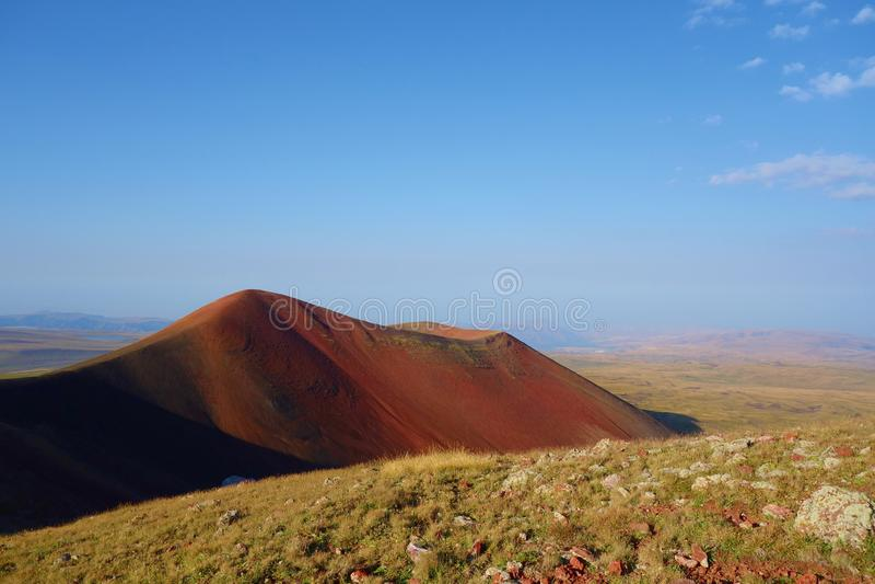 Απόψεις από την κορυφή του ηφαιστείου Azhdahak στα βουνά Geghama, Αρμενία στοκ εικόνα