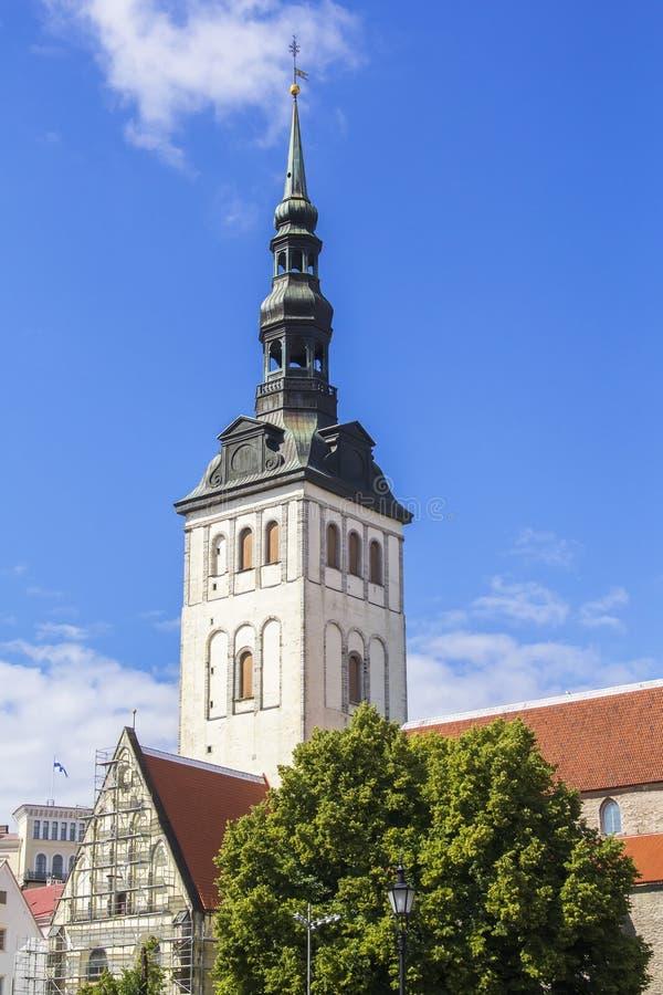Απόψεις εικονικής παράστασης πόλης υποβάθρου του καθεδρικού ναού θόλων στο Ταλίν στοκ φωτογραφία