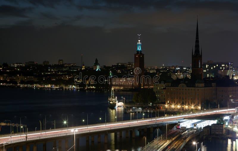 Απόψεις νύχτας της παλαιάς πόλης Gamla Stan της Στοκχόλμης, Σουηδία στοκ εικόνες
