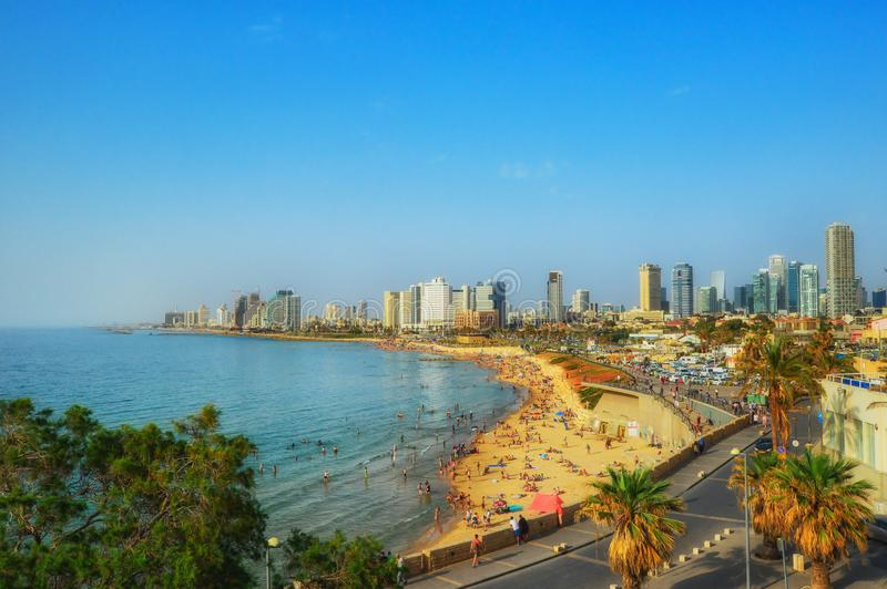 Απόψεις προκυμαιών του Τελ Αβίβ από το παλαιό Jaffa, Ισραήλ στοκ εικόνα