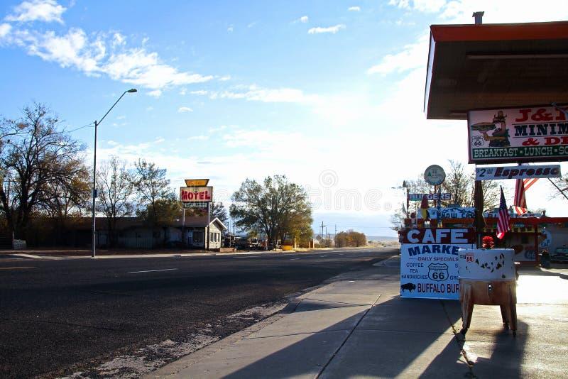 Απόψεις της διαδρομής 66 διακοσμήσεις στην πόλη Seligman στοκ εικόνα