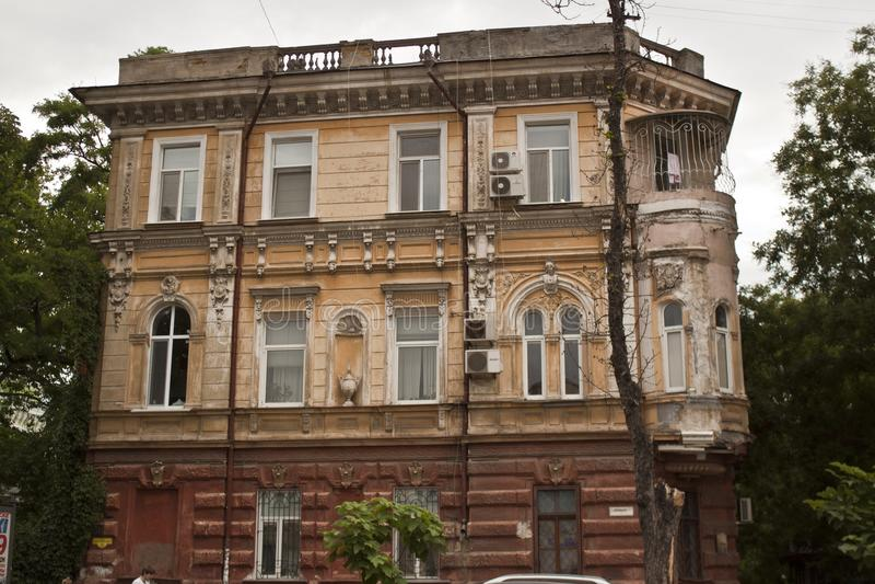 Απόψεις της παλαιάς οικοδόμησης Οδησσός, οι πόλεις της Ουκρανίας, ταξίδι στην Ανατολική Ευρώπη στοκ εικόνες