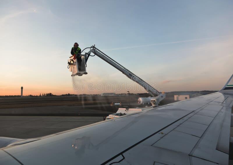 Απόψυξη ενός αεροπλάνου στοκ εικόνες με δικαίωμα ελεύθερης χρήσης