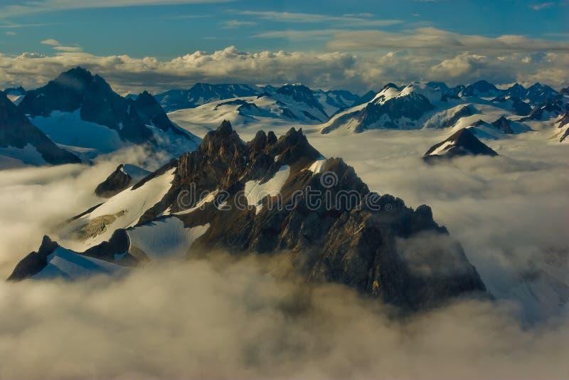 από την Αλάσκα βουνά στοκ φωτογραφίες με δικαίωμα ελεύθερης χρήσης