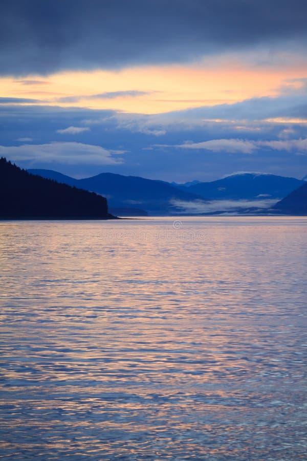 από την Αλάσκα σειρά βουνών στοκ εικόνες με δικαίωμα ελεύθερης χρήσης