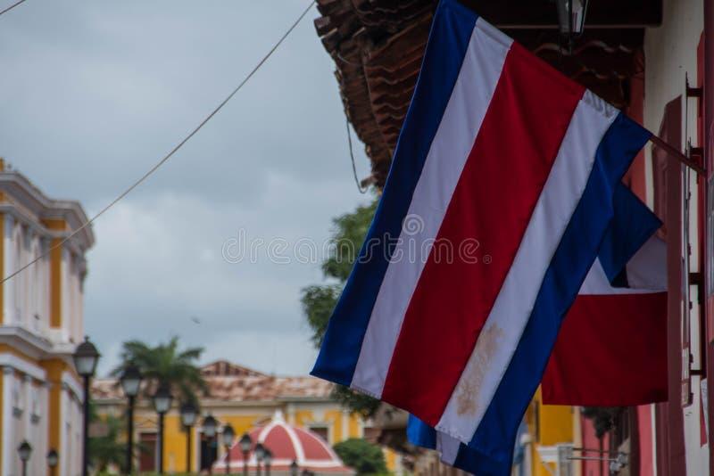 Από την Κόστα Ρίκα σημαία στην οδό στοκ φωτογραφία με δικαίωμα ελεύθερης χρήσης