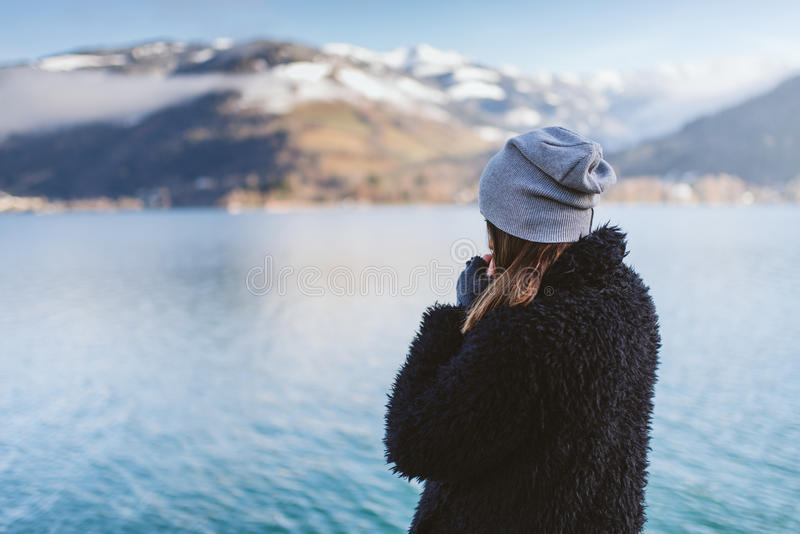 Από τη λίμνη στο wintertime στοκ φωτογραφίες με δικαίωμα ελεύθερης χρήσης