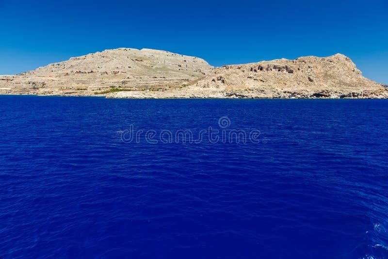 Από τη θάλασσα και τον ουρανό βαρκών στη Μεσόγειο Ελλάδα Ευρώπη στοκ εικόνα